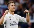 كريستيانو رونالدو يتحدث عن مستقبله مع ريال مدريد