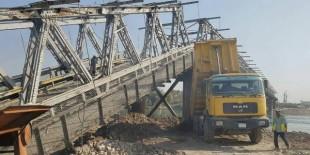 المباشرة بتأهيل جسر الموصل القديم