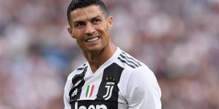 صحف إيطاليا تركز على خروج رونالدو من سباق الفوز بالكرة الذهبية