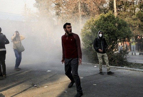 سر رعب السعودية من الاحتجاجات في إيران