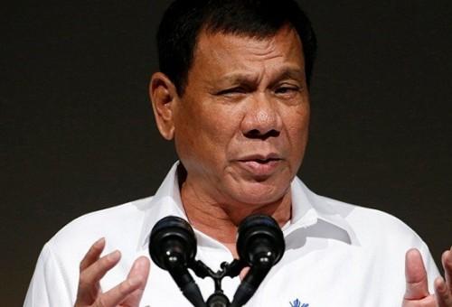 رئيس الفلبين لجنوده: أطلقوا النار على النساء في أماكنهن الحساسة