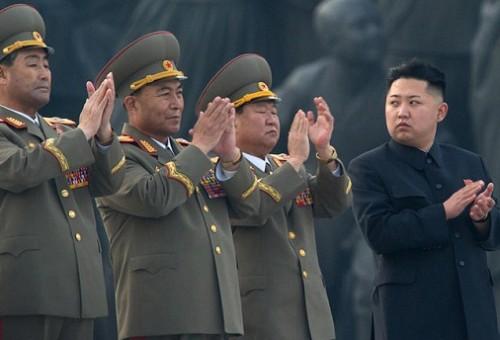 كوريا الشمالية: جاهزون لقصف حاملة الطائرات الأمريكية كارل وينسون