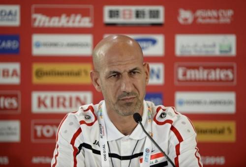 الاتحاد العراقي لكرة القدم يقيل شنيشل ويقرر الاستعانة بملاك تدريبي اجنبي