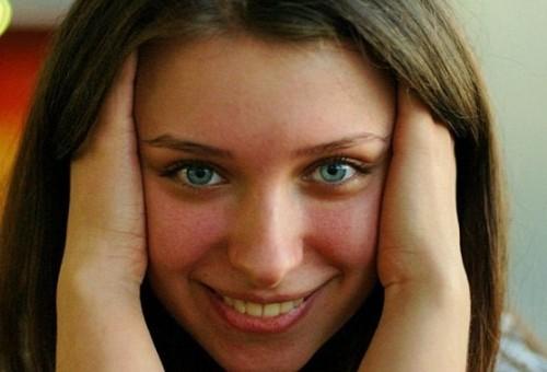 دراسة: النساء لسن نكديات ببساطة أذكى من الذكور