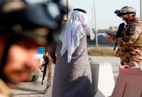 تقرير: رشى لشركات نفطية بالبصرة أشاعت القتل وتسببت باستفحال العشائر