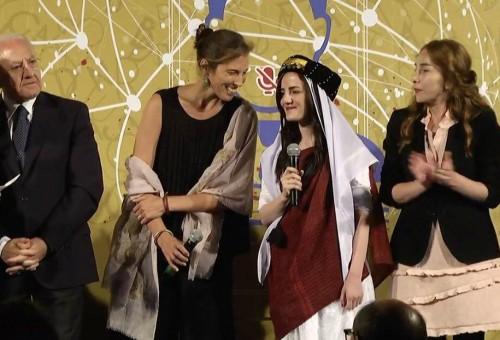 فوتوغرافية عراقية شابة تفوز بجائزة ايطاليا الدولية للصحافة