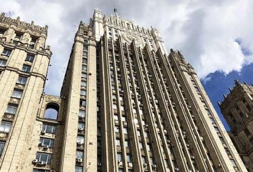 موسكو: ممارسات واشنطن في سوريا تدفع بالعالم إلى حافة الهاوية