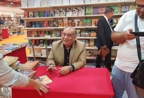 سرقات يوسف زيدان الأدبية بأقلام عربية!