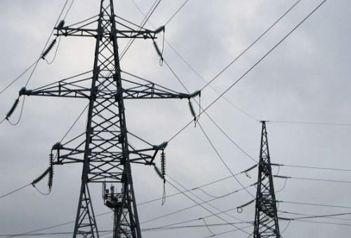 العراق يحصل على استثناء امريكي لشراء الكهرباء من ايران