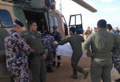 بالصور: سلاح الجو الأردني ينفذ عملية إخلاء طبي لـ4 جنود عراقيين