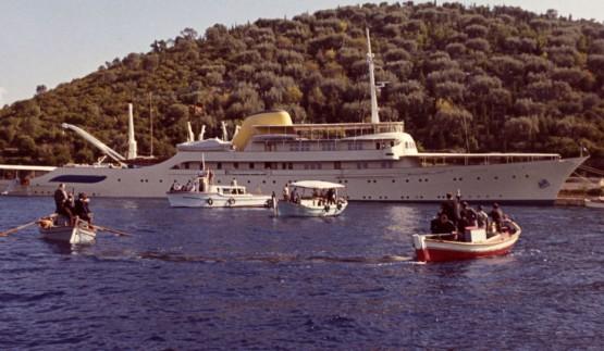 يخت صدام حسين يتحول إلى فندق عائم في ميناء البصرة