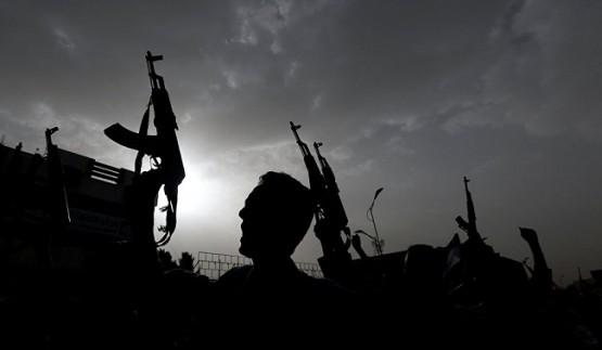 شخصيات بينها عمار الحكيم وصلاح عمرالعلي في اول (تحرك عربي) لايقاف حرب اليمن