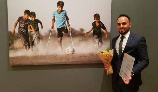 الفائز بالمسابقة الدولية للتصوير الصحفي: جائزتي وصول الطفل المعاق للمعالجة في موسكو